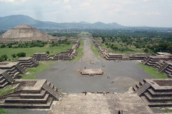 Teotihuacan disanthegioi Mexico