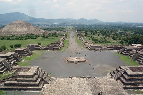 Teotihuacan disanthegioi Mexico