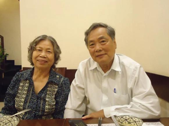 Thay Quyen tham canh lua